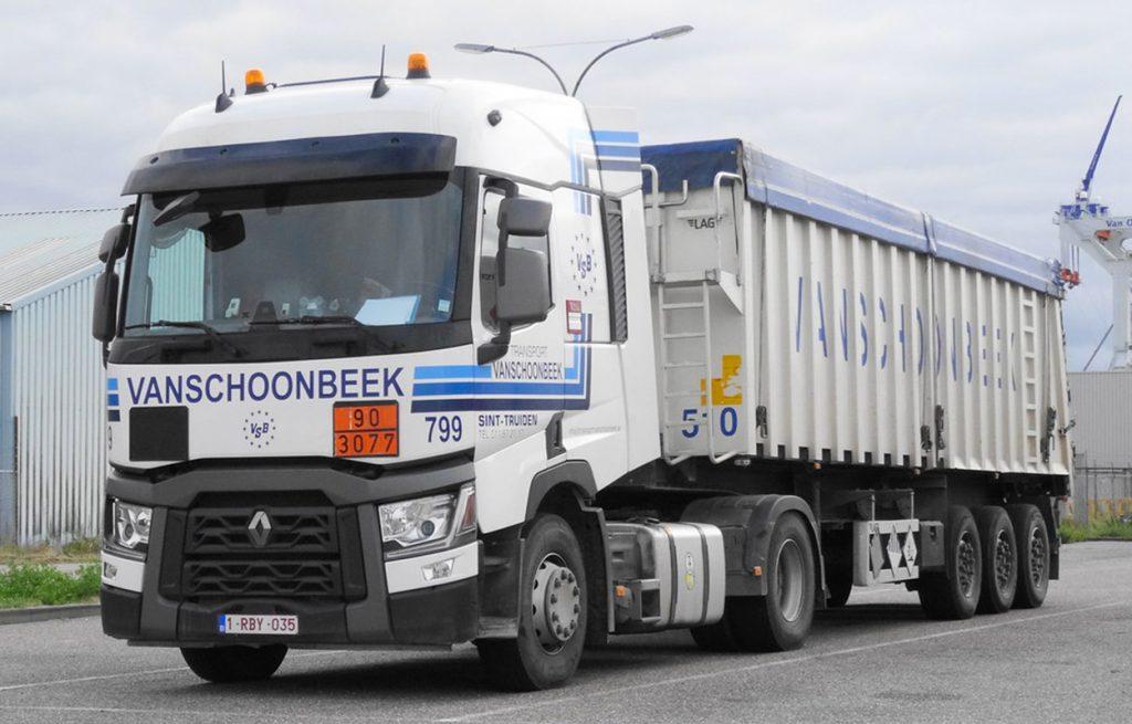 Vervoer afval en gevaarlijke stoffen met vrachtwagen van Transport Vanschoonbeek