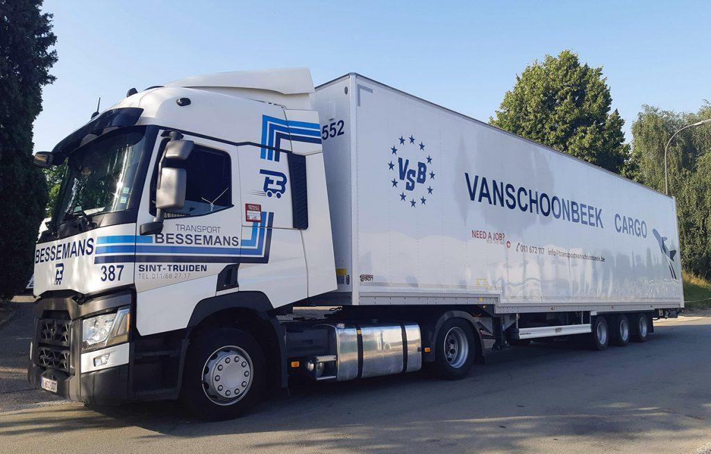 Een cargo trailer van transport Vanschoonbeek